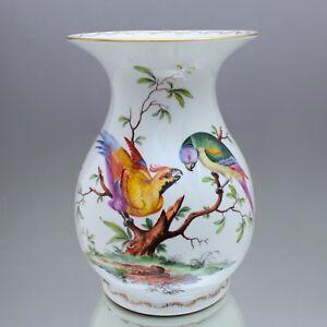 Ludwigsburg-grosse-Vase-mit-exotischen-Voegeln-Prunkvase-Papagei-Blumenvase