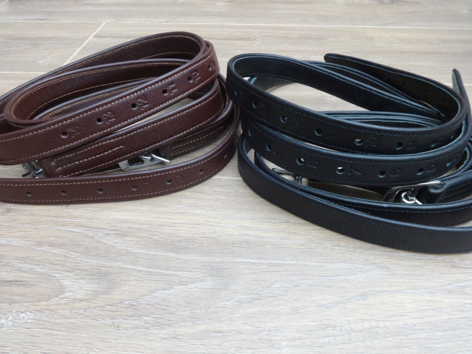 QUALITY SOFT NON STRETCH BONDED REINFORCED STIRRUP LEATHERS  ADULT LENGTH 54