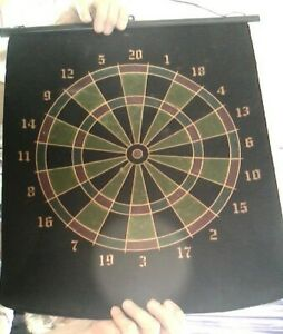 Magnetic reversible dart game set