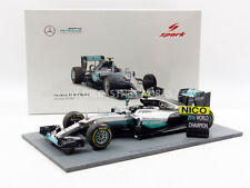Spark Mercedes GP W07 Abu Dhabi World Champion 2016 Rosberg #6 w/figurine 1/18