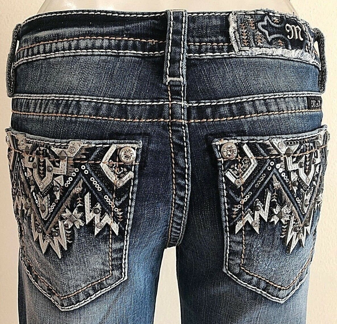 NEW MISS ME JEANS WITH TAG 3178B BOOT CUT MID-RISE INSEAM 34  MED blueE WASH