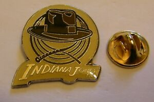 INDIANA-JONES-HAT-AND-WHIP-LUCAS-FILMS-vintage-pin-badge