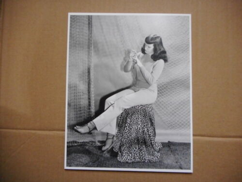 8x10 Photo Bettie Page Pinup Model #BP030 Sitting