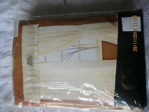 Brand New Gorgeous Cream unlined Curtains by CLASSIC - Milton Keynes, Buckinghamshire, United Kingdom - Brand New Gorgeous Cream unlined Curtains by CLASSIC - Milton Keynes, Buckinghamshire, United Kingdom
