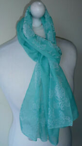 Green-White-Short-Scarf-Floral-Lightweight-Soft-Feel-Slender-Embossed-New