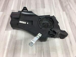 Audi-A3-8P-Sportback-5-Porte-Bassi-Box-Subwoofer-Bose-8P4035382A