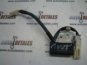 Toyota-Avensis-Radio-Aerial-AMP-Condenser-90080-88005-used-2005