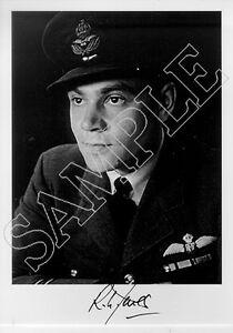 SPBB19-WWII-WW2-BoB-RAF-Spitfire-Battle-of-Britain-pilot-JONES-signed-photo