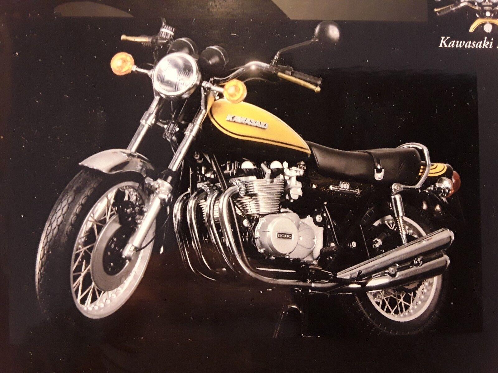 Kawasaki z1 900 SUPER 4  Candy vert jaune  1 12 MINICHAMPS 122164101