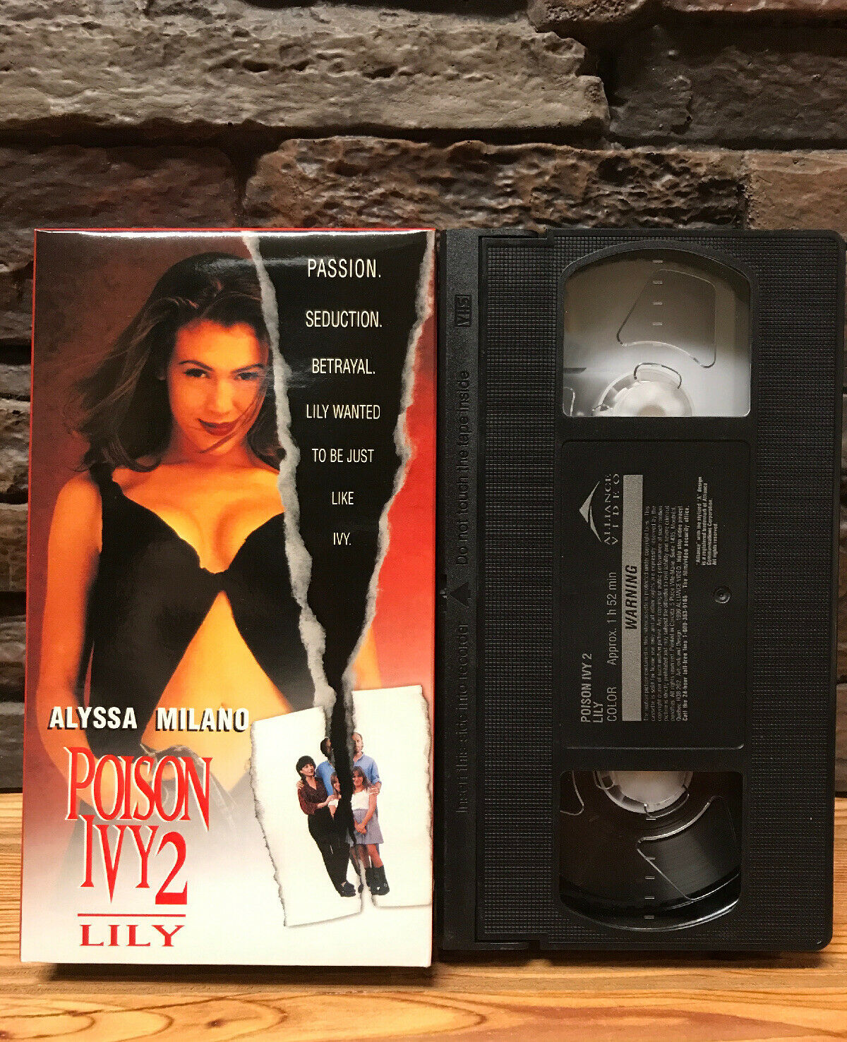 Alyssa Milano Poison Ivy 2 poison ivy 2: lily (vhs, 1996, unrated)