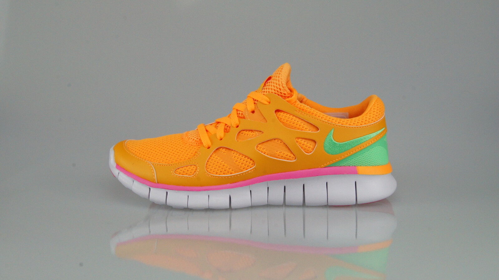 NIKE FREE RUN 2 EXT Size 38 (7US)