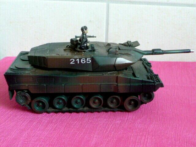 Modell Bundeswehr LEOPARD 2 mit Batterieantrieb