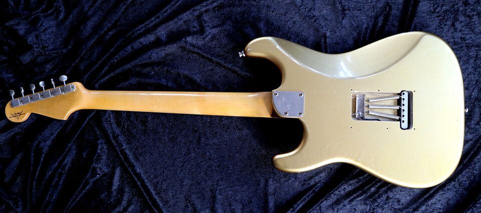 Fender Custom Shop Stratocaster 65 i en flot Go...