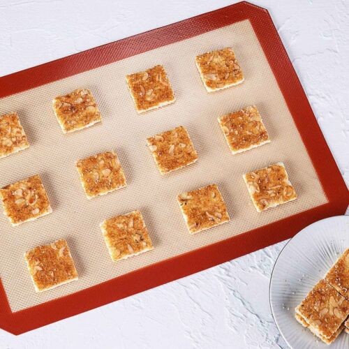 """Silicone Baking Mat 16.5/"""" x 11 5//8/"""" Non Stick Cookie Sheets Professional Grade"""