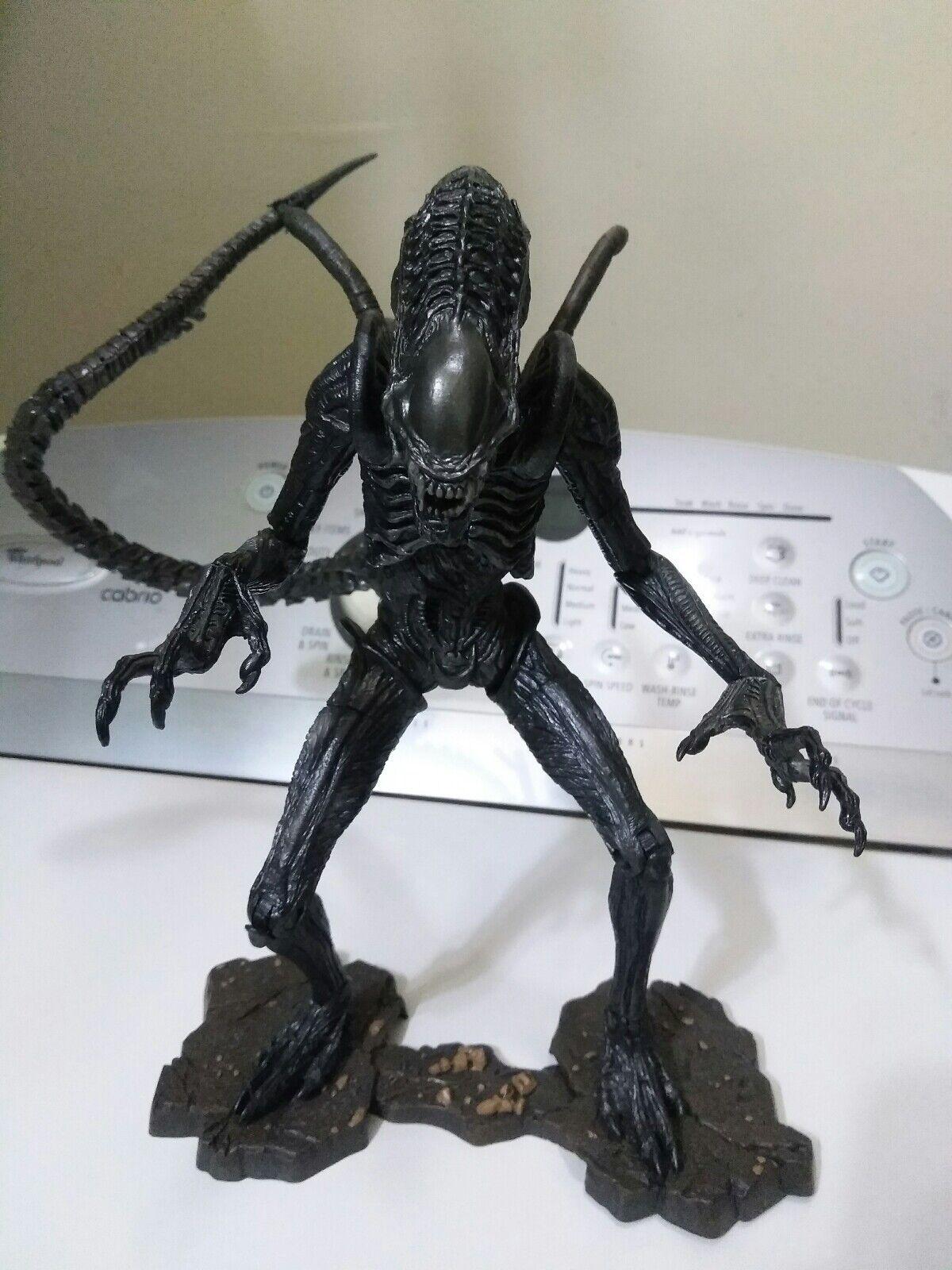 Alien Xenomorph Warrior AVPR Neca 7  Inch Figure AVP Aliens vs Prossoator Requiem