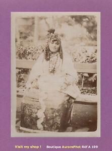 PHOTO-1890-ALGERIE-JEUNE-FEMME-EN-COSTUME-TRADITIONNEL-AFRIQUE-DU-NORD-A199