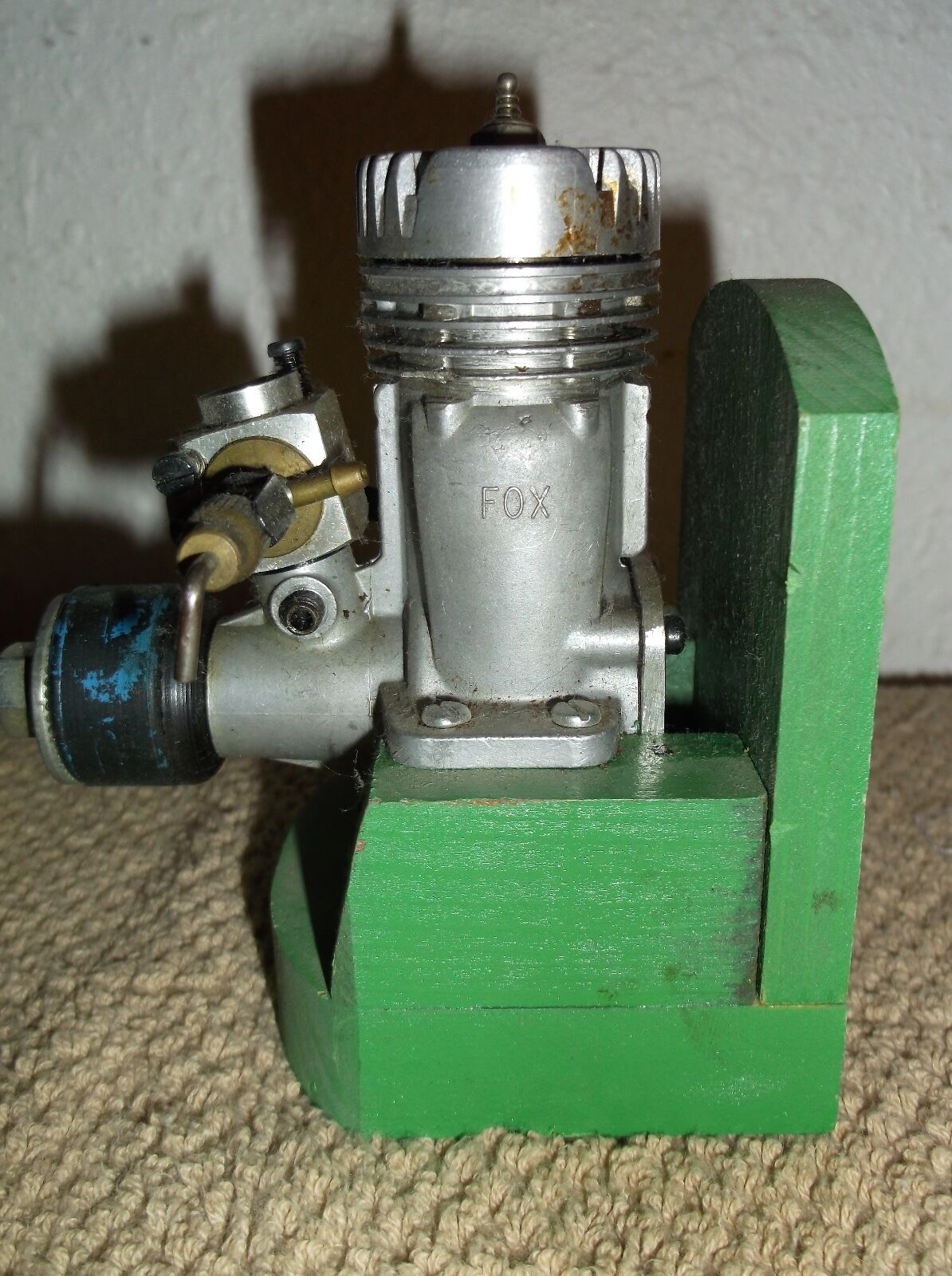 FOX .40 R C SLANT PLUG VINTAGE AIRPLANE ENGINE