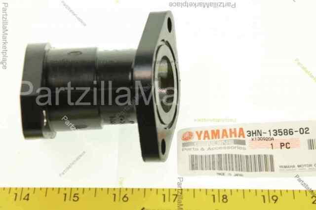Yamaha 3HN135860200 Carburetor Joint