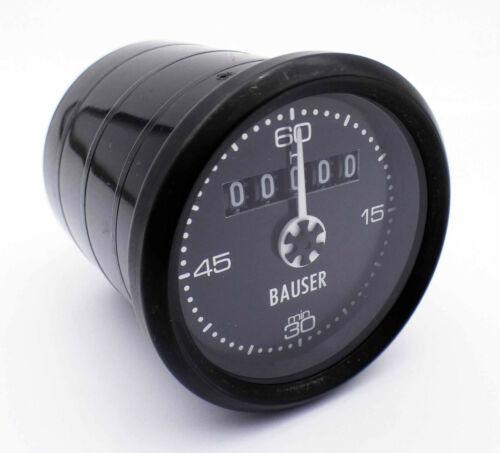 Bauser Typ 557 10-80VDC Betriebsstundenzähler mit Minutenzeiger unused