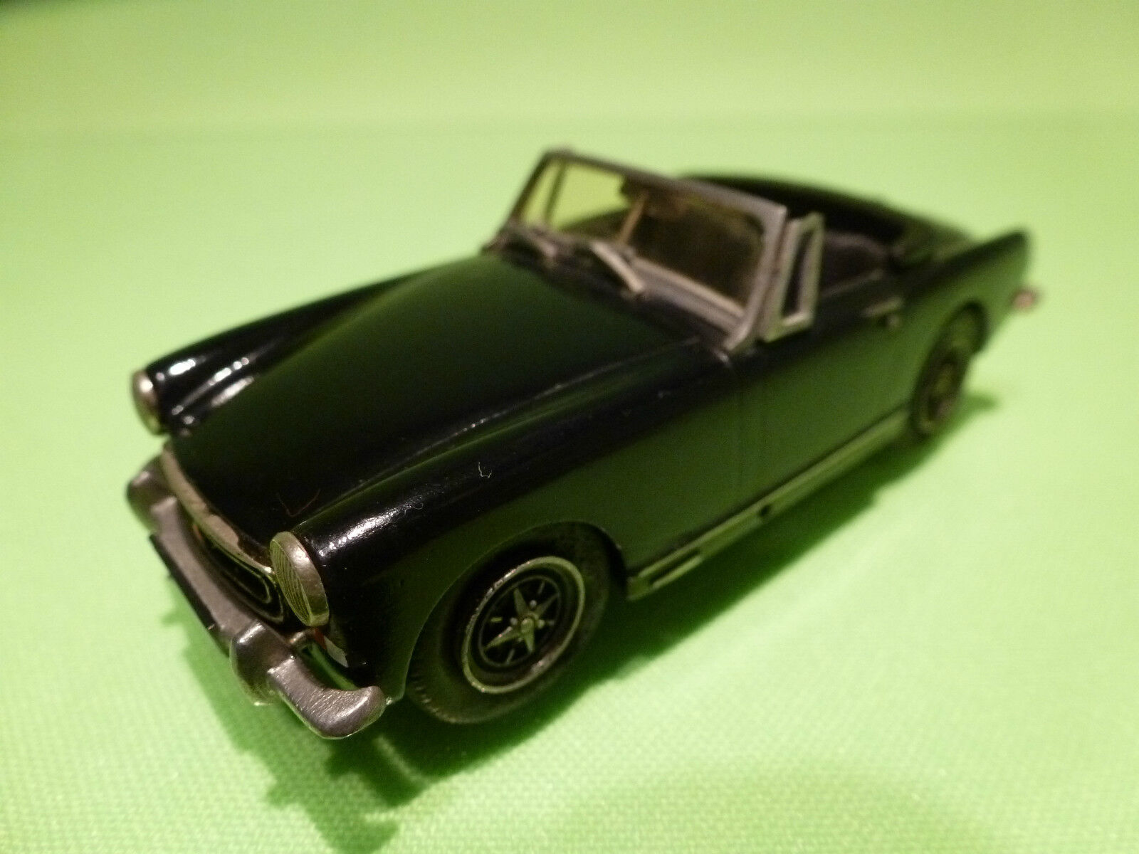 JEM METAL MINIATURES 1 43 MG MIDGET - S WINDOW  - RARE SELTEN  - GOOD CONDITION