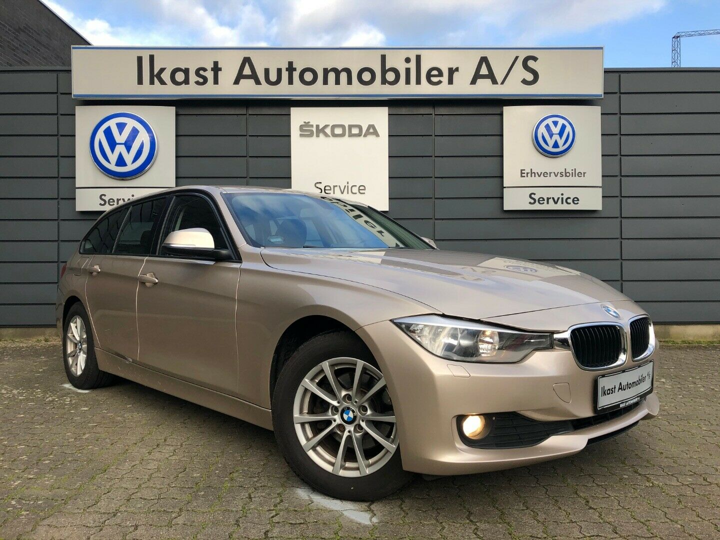 BMW 318d 2,0 Touring 5d - 178.900 kr.