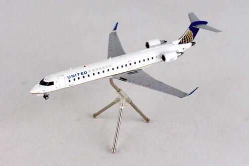 Gemini200 United Express Bombardier CRJ-700 G2UAL402 1//200 REG# N611QX New