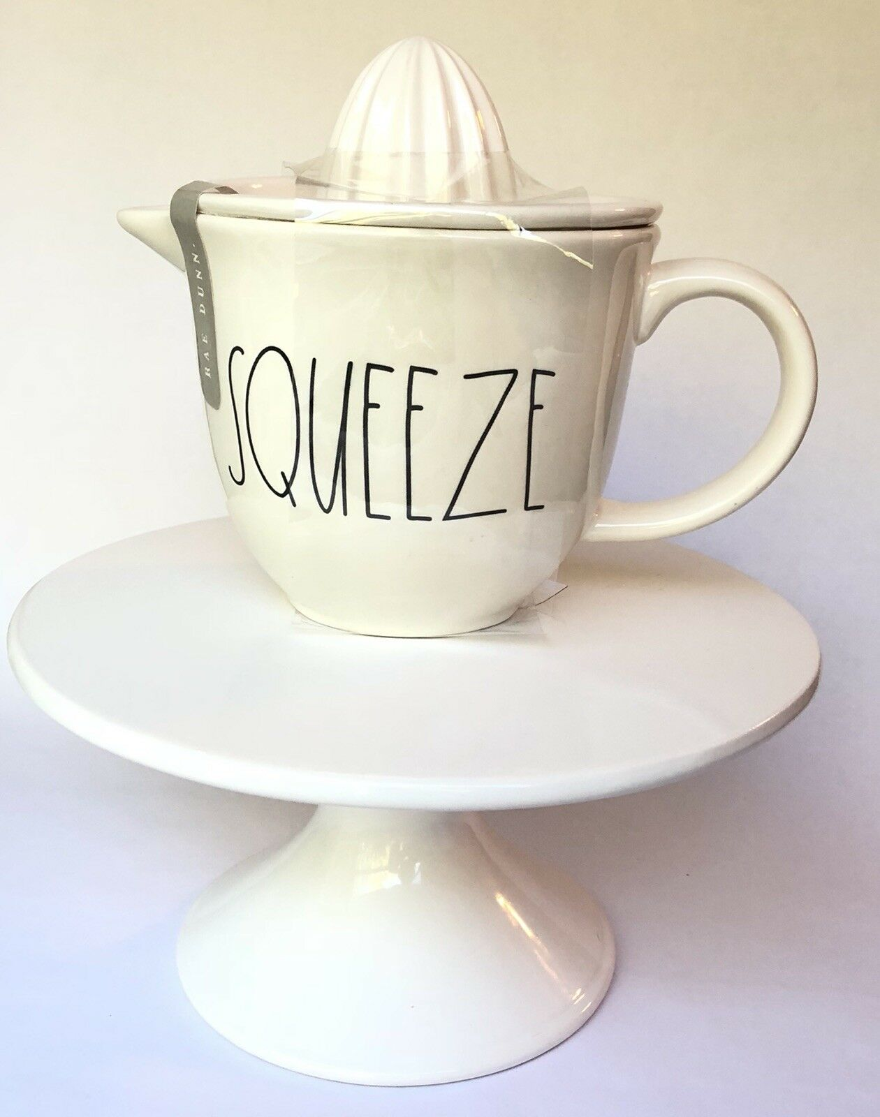 Rae Dunn SQUEEZE SQUEEZE SQUEEZE Juicer Juice Holder Pitcher a5e098