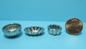 Dollhouse Miniature Silver Metal Decorative or Serving Bowl Set of 3 B0378