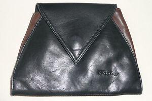 Tasche Leder braun schwarz, hat hinten auch eine Schlaufe für einen Gürtel