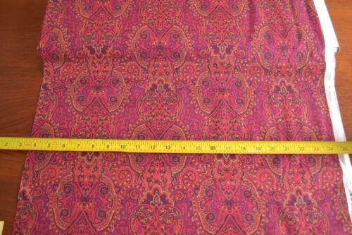 B707 Red Purple /& Black Quilting RJR//Beyer//Holiday Treasures//0776-3 By 1//2 Yd