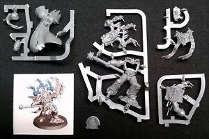 1-Dark-Apostle-Chaos-Space-Marine-Warhammer-40K