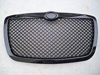 05-10 Chrysler 300 300c Touring Srt8 Gloss Black Honeycomb Mesh Front Grill