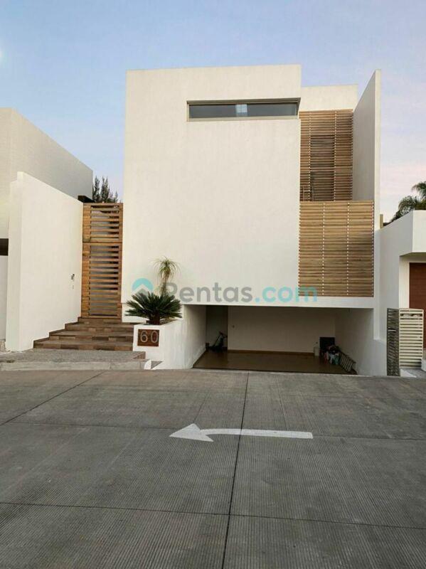Hermosa casa en renta en Fraccionamiento Residencial Hacienda Del Valle