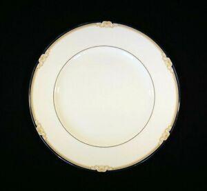 Beautiful-Wedgwood-Cavendish-Dinner-Plate