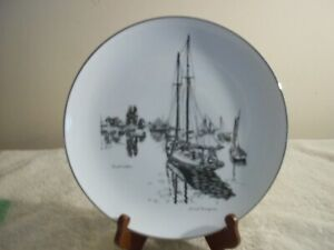 GORHAM-FINE-CHINA-LIONEL-BARRYMORE-034-QUIET-WATER-034-PLATE-10-1-2-ROUND