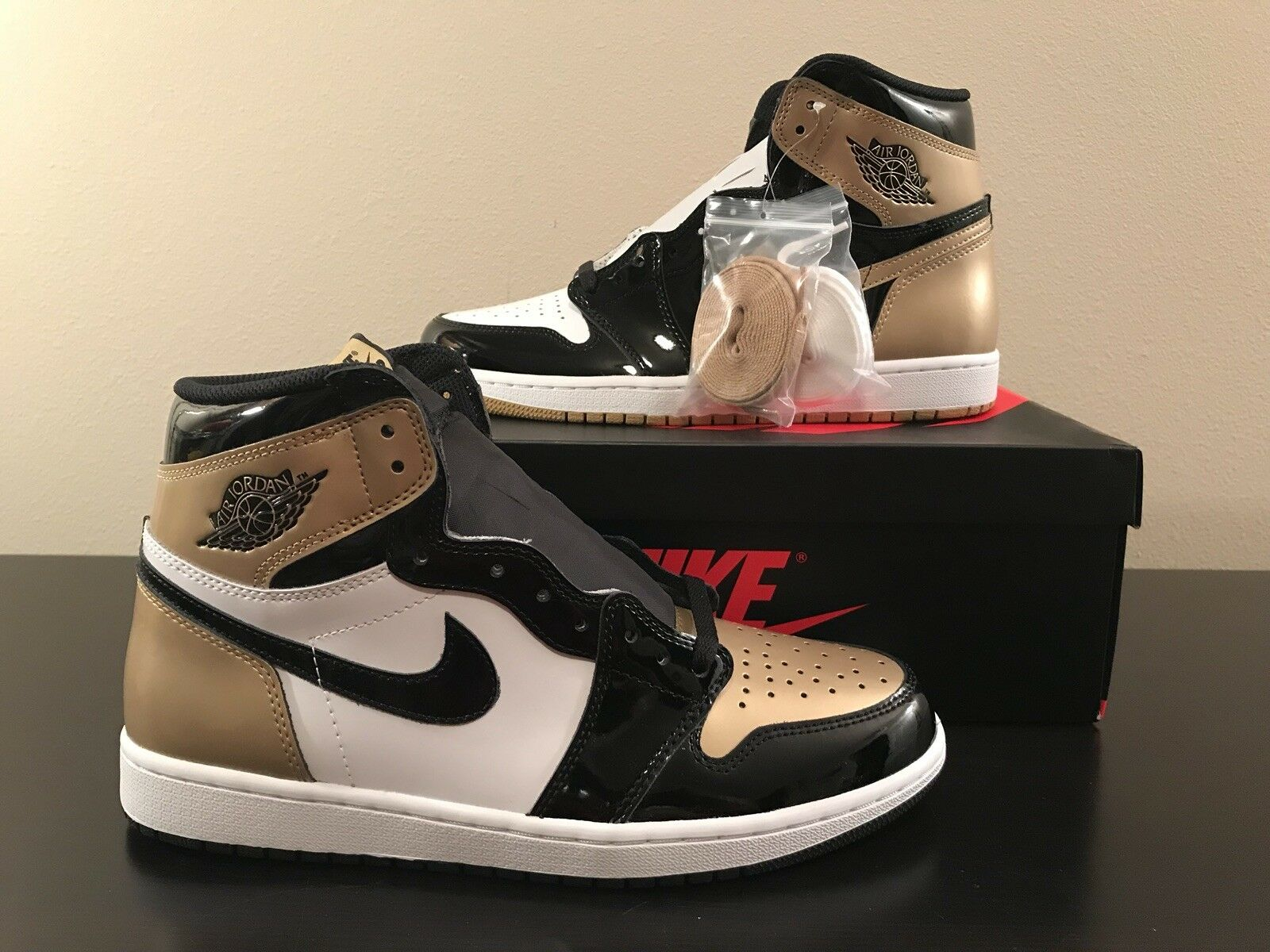 Nike Air Jordan 1 Retro High OG NRG SZ 10 gold Top 3 Complex Con 861428-001
