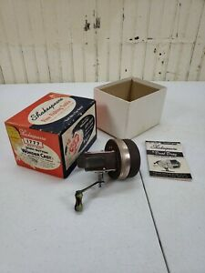 Vintage-Shakespeare-PUSH-BUTTON-wonder-cast-1777-Model-FC-Fishing-Reel