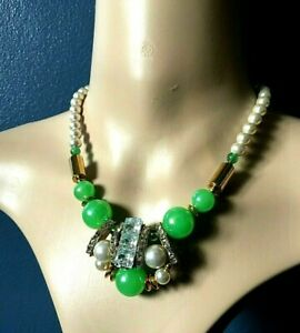Vintage-1950-039-s-Diamante-Green-Plastic-Bead-Pearl-Gold-Tone-Cocktail-Necklace-16-034