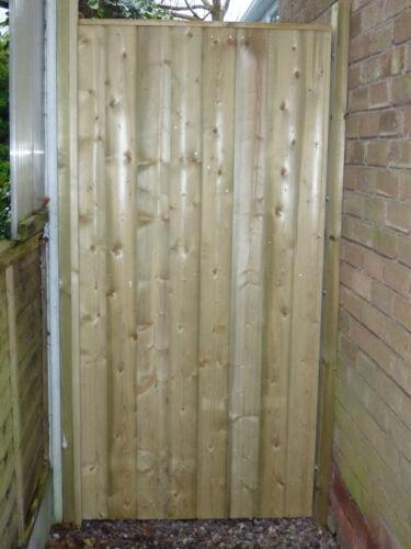 6ft  high x up to 4ft wide Barrel Board Framed Garden Gate