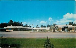 Daphne-Alabama-Malbis-Hotel-Courts-on-Route-90-1940s-Postcard