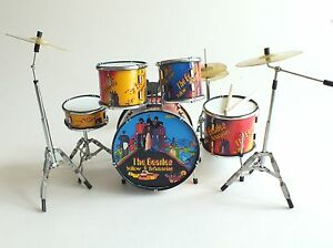 rgm356-RINGO-STARR-Beatles-Yellow-Submarine-MINIATURE-Drumkit