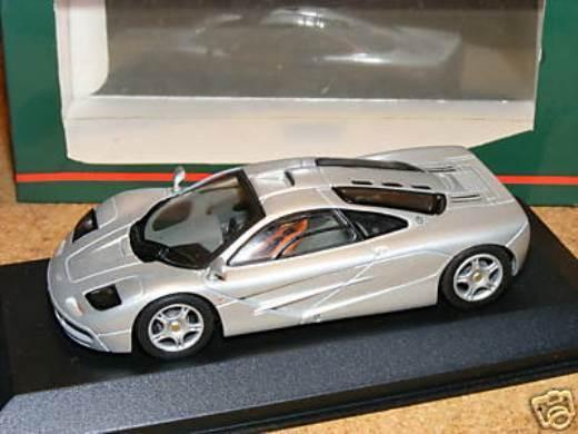ULTRA RARE Minichamps McLaren F1 STREET first issue in argento 1 43 Nuovo di zecca con scatola