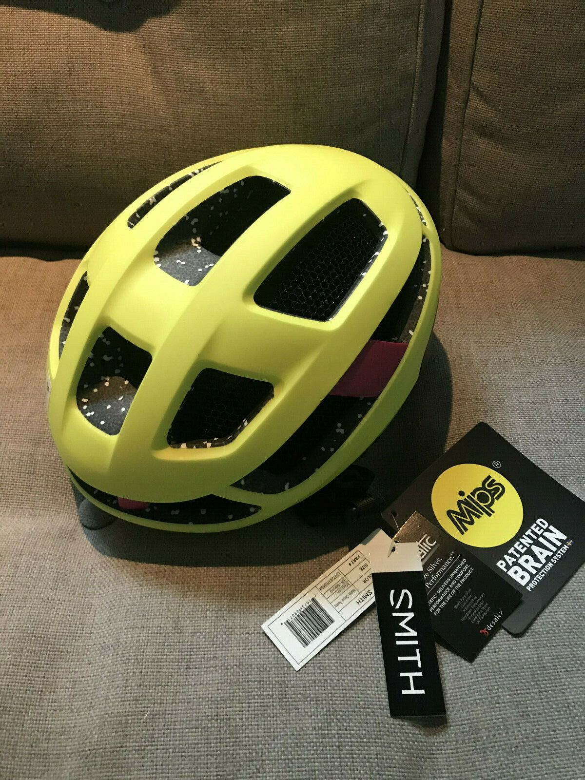 SMITH Trace Road  Cycling Helmet BRAND NEW w  MIPS 2020  amazing colorways