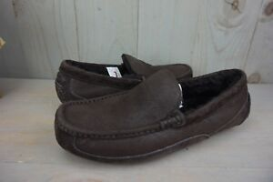 3d44002e41f Details about UGG ASCOT BOMBER JACKET CHOCOLATE SHEEPSKIN SLIPPERS MOCCASIN  MENS US 9 NIB