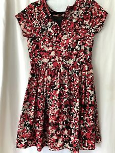 6547faad58b2 womens RED Saks Fifth Avenue Dress Size med red cream and black ...