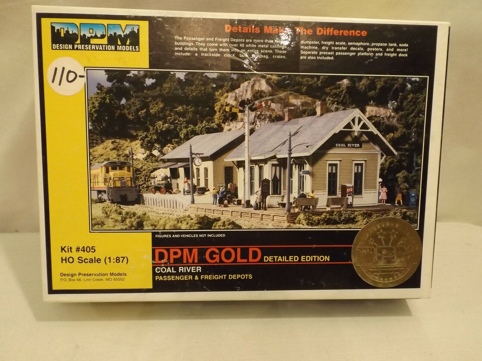 HO DPM gold Coal River passenger and freight depots in original box