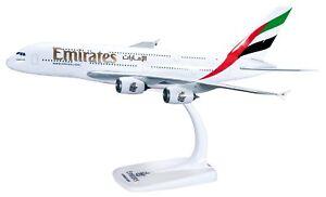 Emirates A380 Herpa 1:250 Snap-Fit mit Aufsteller