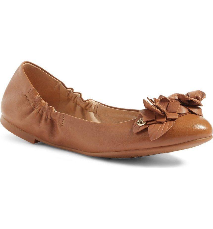 NIB Tory Burch Blossom Floral Ballet Flat shoe gold Logo Royal Tan Leather Sz 8