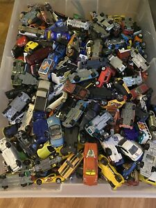 Lote-de-40-Vehiculos-Coches-unsearched-Hot-Wheels-Matchbox-Disney-musicalmente-Ect