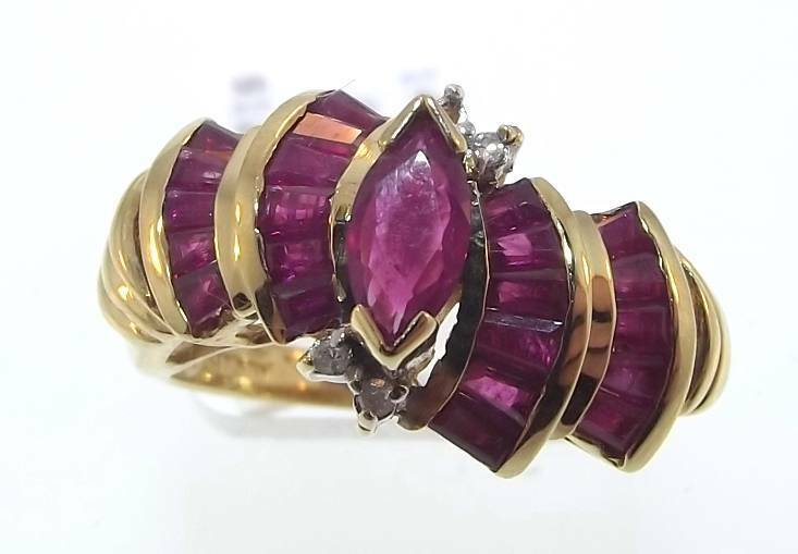 10KT YELLOW gold 1.59 CTTW RUBY & DIAMOND RING SIZE 6.5 (48R 140-10296)
